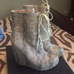 Brand new in box Matiko Rumi lace up wedge booties